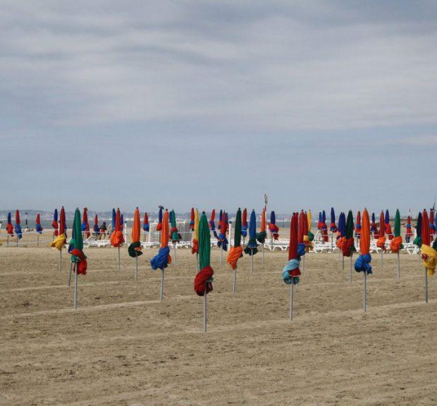 beach-1006941_1920